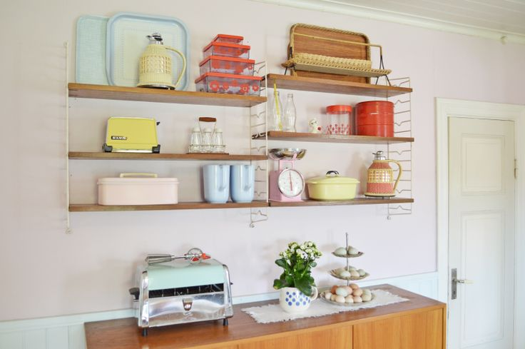 My retro kitchen! String shelf. Stringhylla. Pastels. Teak. Retro. Vintage. Pink kitchen. Plast. 50's. 50'tal. 60's. 60-tal. 70's. 70-tal.