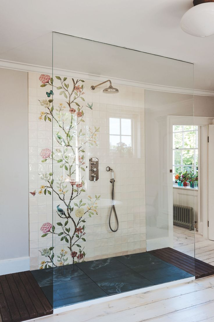 Bathroom of the Week: A Romantic London Bath Made from Vintage Parts
