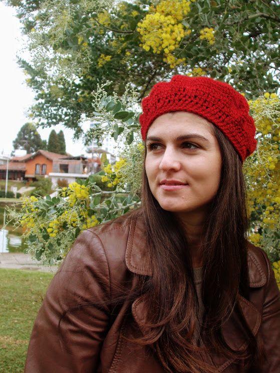 Boina de crochê pelo Ateliê Karine Lopes feito a mão