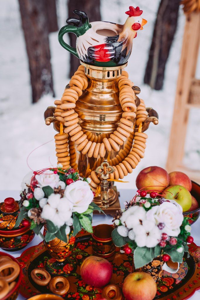 Samovar and Hohloma in the best Russian traditions