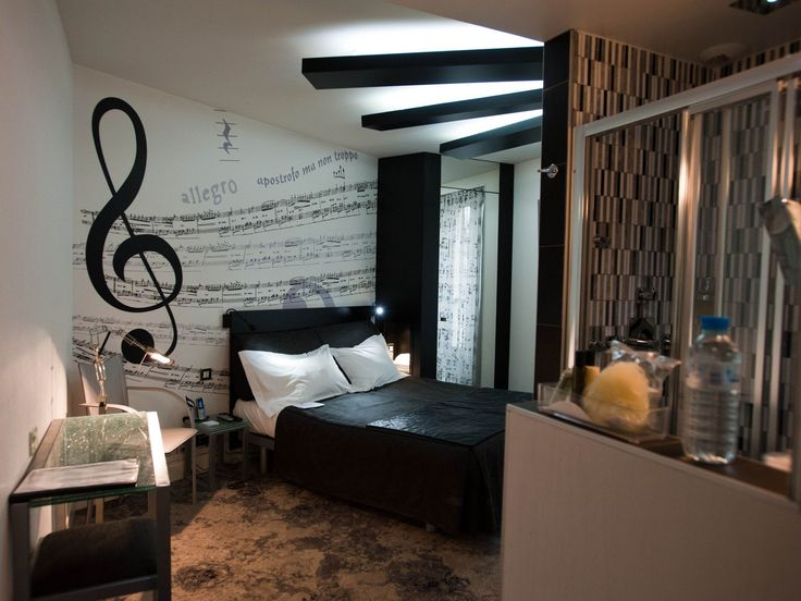 Musique room at hotel apostrophe rive gauche paris for Music themed interior designs