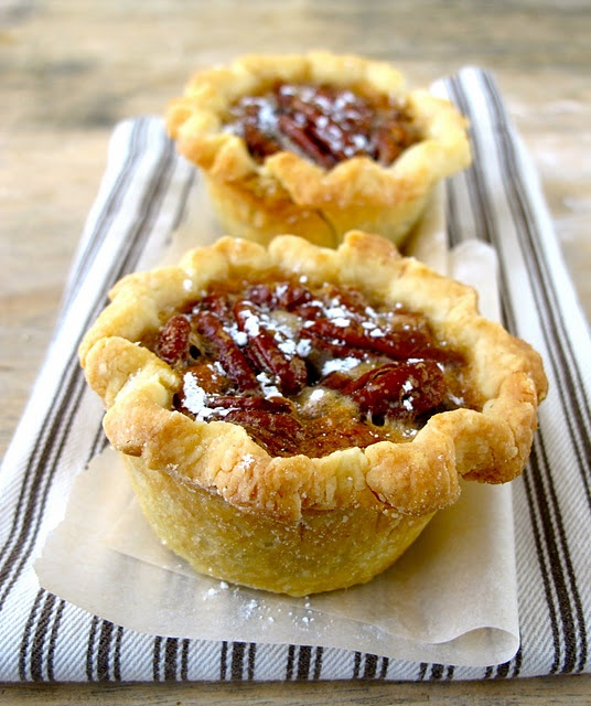 Mini Deep Dish Pecan Pies for Thanksgiving