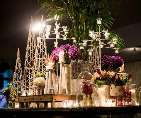 #bodasalairelibre #decoracionbodas #mardeflores #bodasexclusivas #fincaelcampillo #bodasoriginales