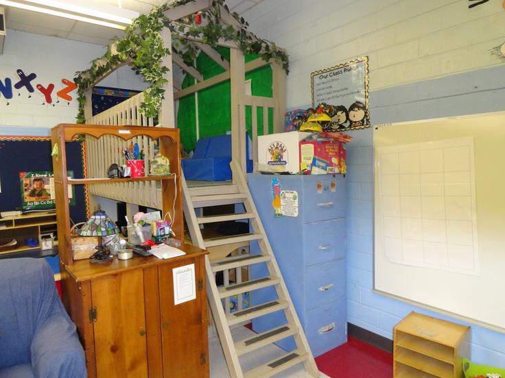 Side Treehouse Classroom Lofts