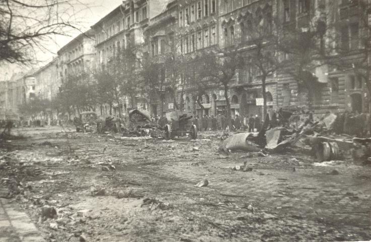 Roncsok a Ferenc körúton, 1956. október 24. után | Ruins on Grand Boulevard #revolution #1956 #hungary #houseofterror #ruins