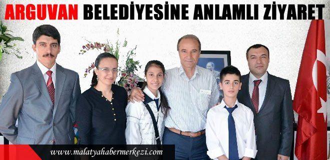 Yeni Eğitim Öğretim yılının başlaması nedeniyle öğrencler Arguvan Belediye Başkanı Mehmet Kızıldaş'ı ziyaret etti. #arguvan #arguvanhaber #malatya #malatyahaber