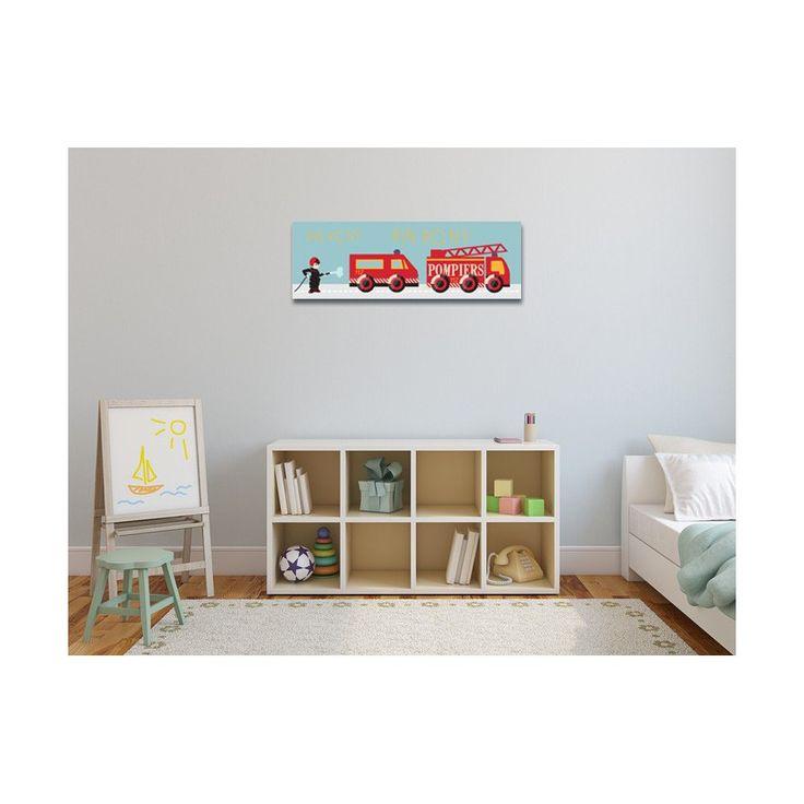 PIN PON, PIN PON ! Il y a le feu ! Laissez place aux camions pompiers ! Ce joli tableau déco pour chambre d'enfant fera de l'effet et complètera à merveille son univers pompiers déjà existant. En toile ou en plexi, ce tableau design apportera cette touche moderne qui manquait à sa décoration. Format : 20 x 60 cm