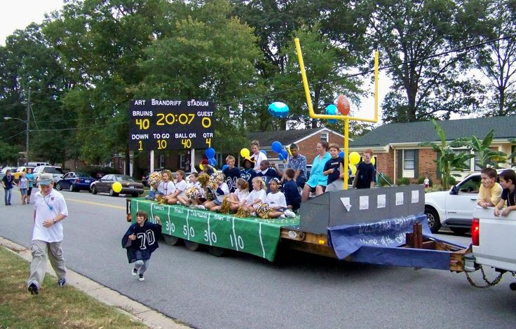Float in the 2007 Western Branch homecoming parade - Hampton Roads High School Sports Photo Gallery