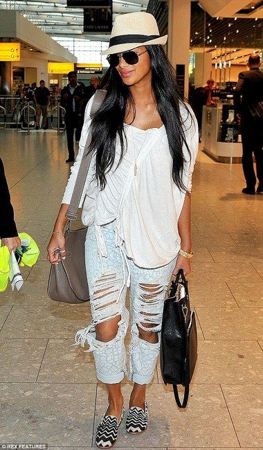 Nicole Scherzinger wearing One Teaspoon Surrender Baggies. Shop One Teaspoon Jeans @ Karmaloop.com #MissKL #LoopLIfe