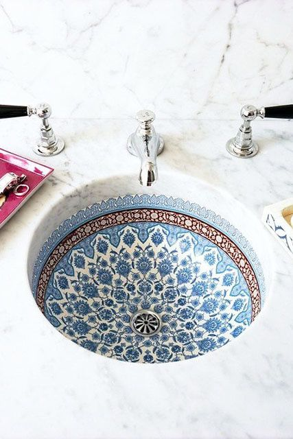 Are you also in love with this tiled sink?