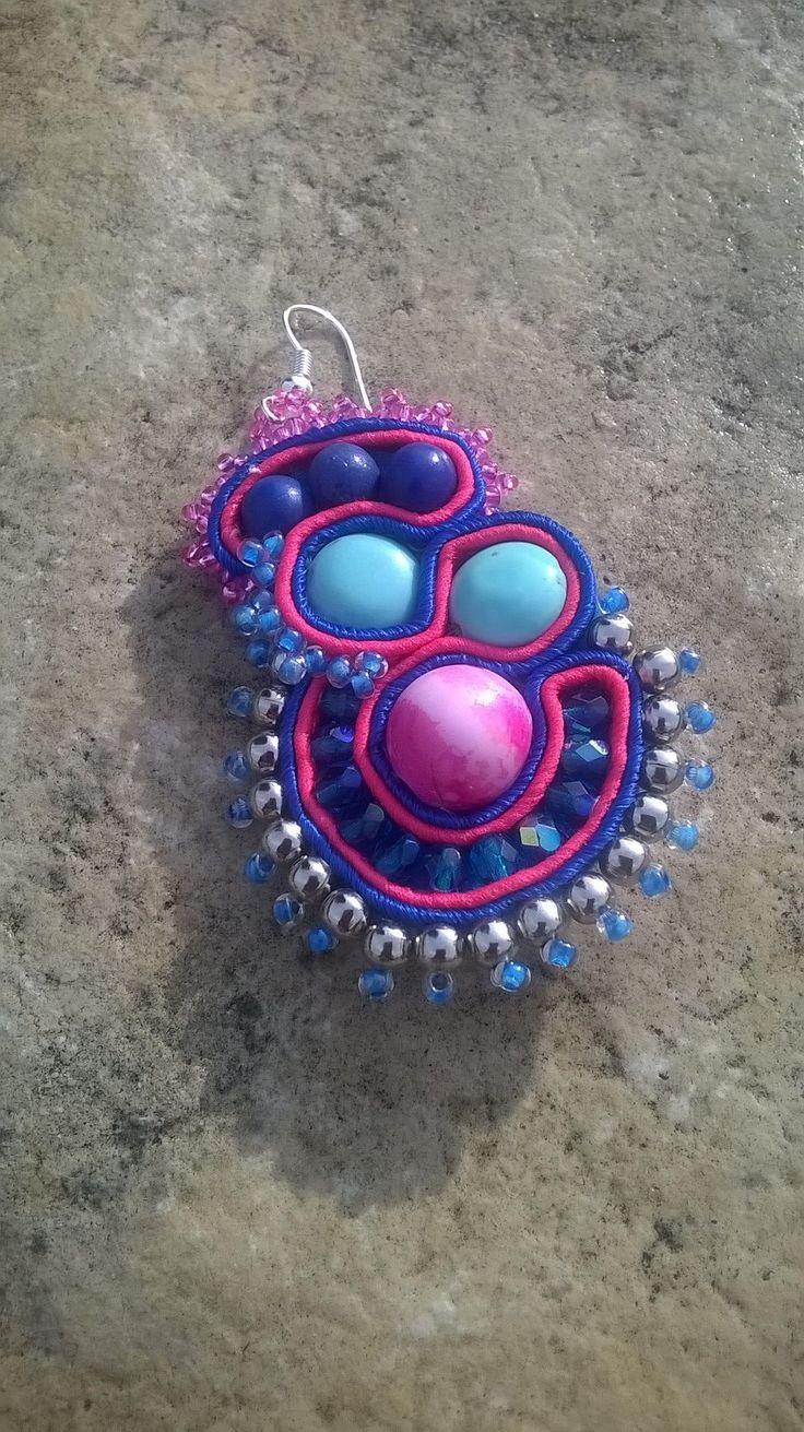Visto da vicino... Orecchini primaverili  #fashion #earrings #pendientes #ohrringe #subang #øreringe #handmade