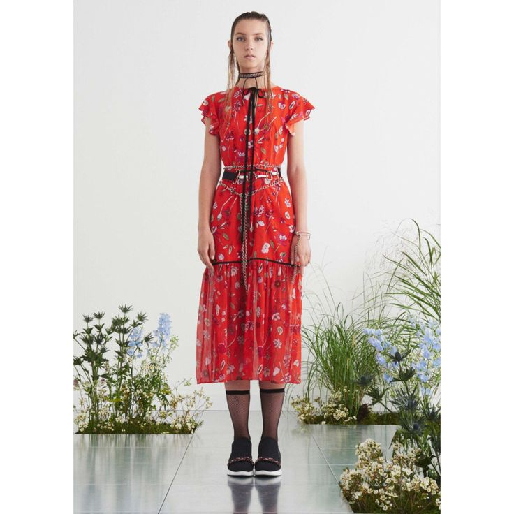 Markus Lupfer. #red #dress #flowers #Vogue #VogueRussia #readytowear #rtw #springsummer2017 #MarkusLupfer #VogueCollections