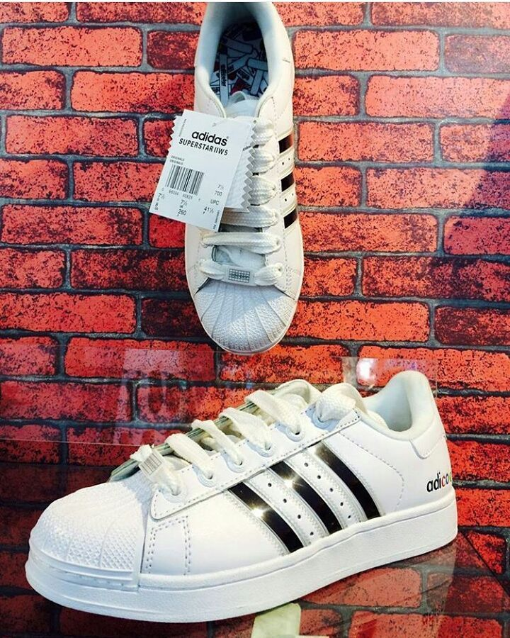ADICOLOR SHOES ALL SIZES AVAILABLE. BEST QUALITY . 2999/- . DM OR WHATSAPP  . . . 9650035689 . #oman #surat #suratcity #jaipur #ahmedabad #patna #pune  #bihar ...