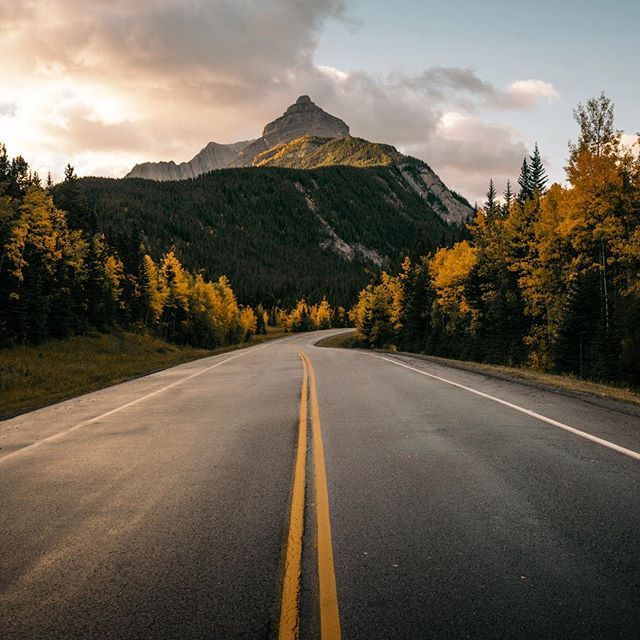 The only view I'll be looking at tomorrow is this one on the way out to Assiniboine. Excited to spend a few days relaxing in one of the most beautiful areas.