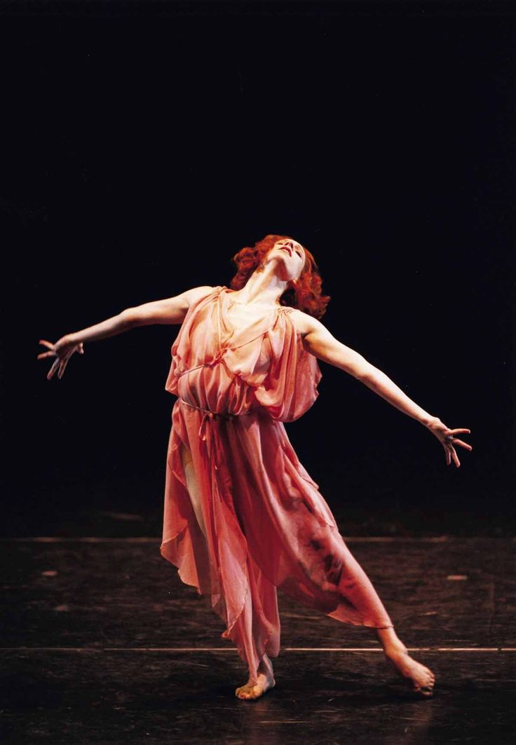 the life of isadora duncan If you'd like to know about isadora from her own voice, look for the autobiography she left before leaving: duncan, isadora (1927) my life boni and liveright, new york.