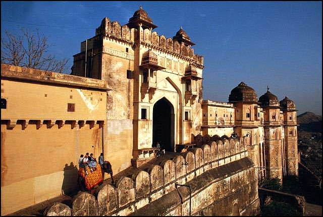 Rajasthan, a place whose name itself suggests the royalty this place embodies, it is a place filled with valor that is worth exploring. Being the land of the kings it is dotted with invincible forts, magnificent palaces, imposing temples, churches and mosques...