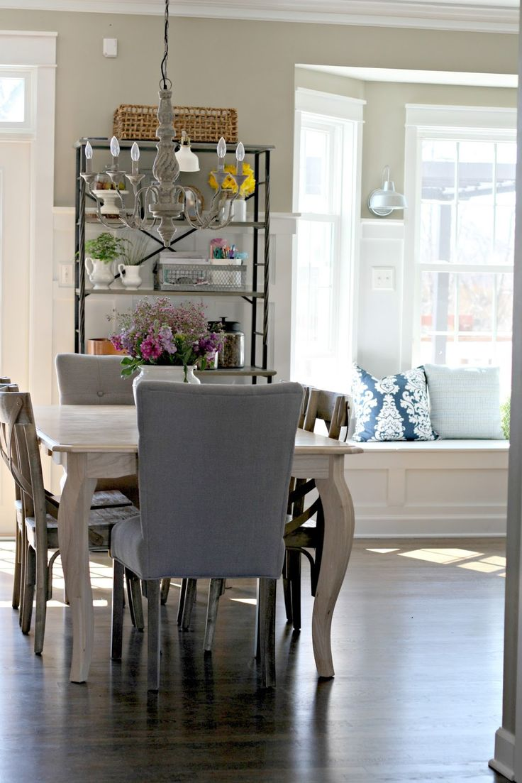 Bay window banquette ideas pictures remodel and decor - Bay Window Off Dining Room