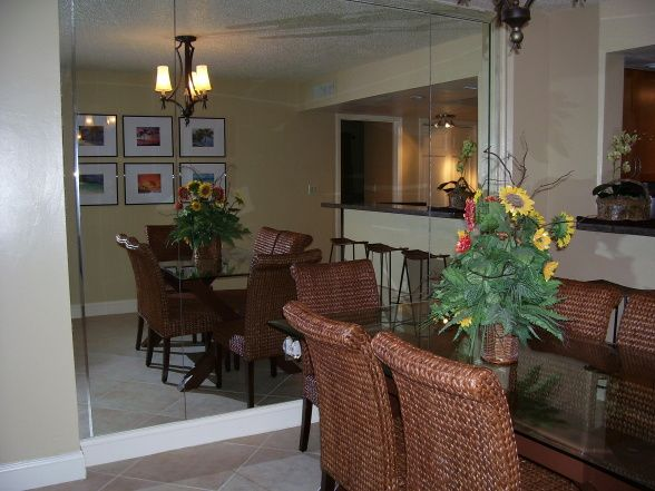 17 Best Ideas About Christmas Dining Rooms On Pinterest: 17 Best Ideas About Florida Condo Decorating On Pinterest
