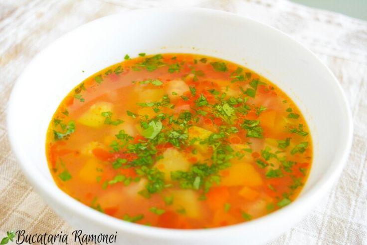 Începem săptămâna cu o ciorbică gustoasă și consistentă? Dacă da, atunci eu vă vin în ajutor cu o rețetă simplă și ușoară:  http://bucatariaramonei.com/recipe-items/ciorba-de-legume/