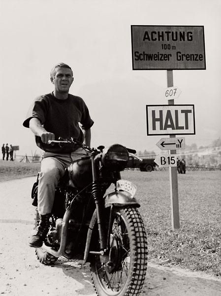 "Hilts ""The Cooler King"" (aka Steve McQueen) on his Triumph in the Great Escape (1963) #motorcycle #motorbike"