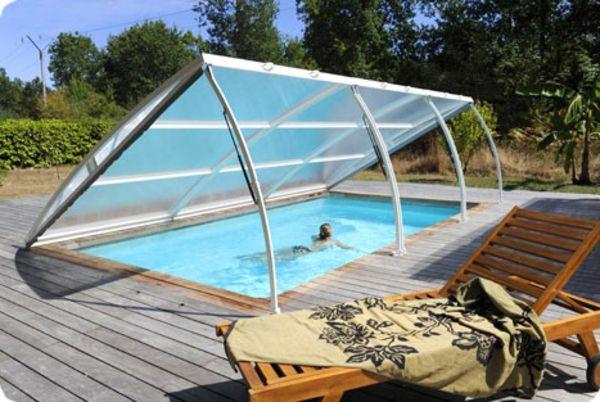 coole und praktische Poolüberdachung