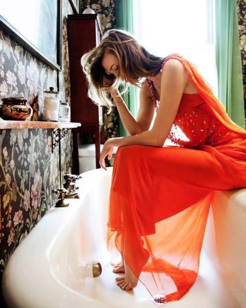 Karlie Kloss models her prom dress (by Dior) at home in St. Louis. May 2011.Karliekloss, Fashion, Gabriel Revere, Life Magazines, Karlie Kloss, Carboxylic Block, Photography, Black, Bath Time