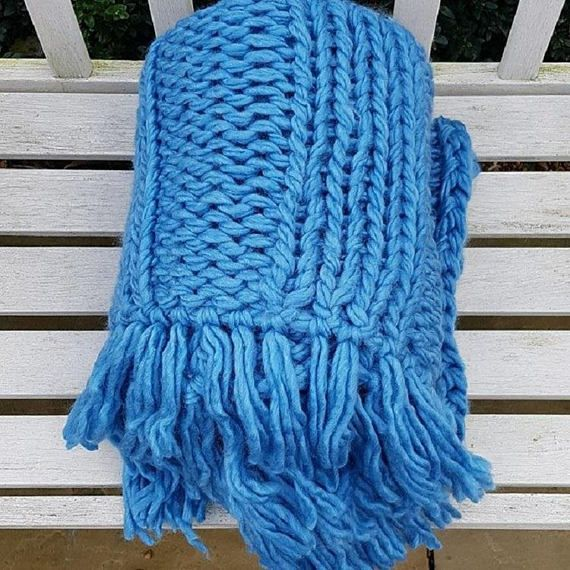 Extra Chunky Knit Throw Broomstick Needles Giant Knitting