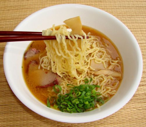 100 AWESOME RAMEN RECIPES FOR STARVING COLLEGE STUDENTS… OR PEOPLE WHO JUST REALLY LIKE RAMEN. (Fixed link 2/22/15)