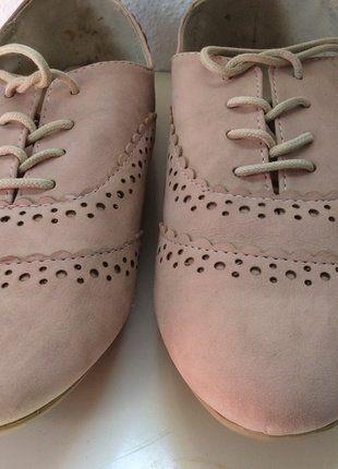À vendre sur #vintedfrance ! http://www.vinted.fr/chaussures-femmes/derbies/32364446-mocassinsderbies-roses-a-lacets-dorothy-perkins-de-taille-40