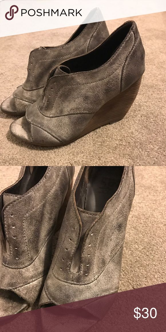 Joes peep toe wedges distressed gray leather Joes peep toe wedges distressed gray leather! Size 8.5 JOES Shoes Wedges