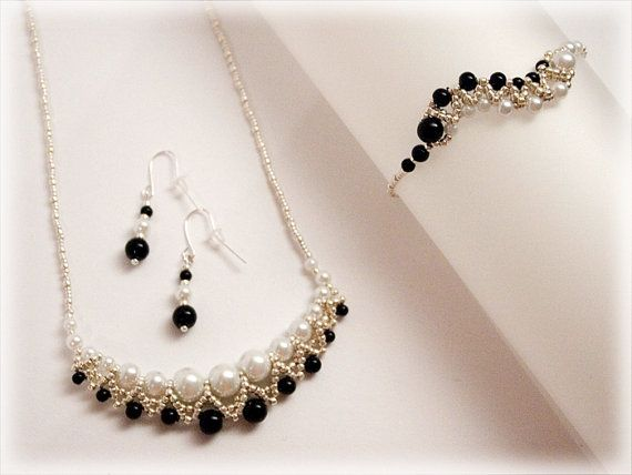 Hey, I found this really awesome Etsy listing at https://www.etsy.com/uk/listing/220763114/black-and-white-set-beading-tutorial