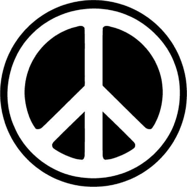 """Das wohl bedeutendste Friedenszeichen wurde 1958 vom britischen Künstler Gerald Holtom im Auftrag der britischen Kampagne zur nuklearen Abrüstung (englisch: Campaign for Nuclear Disarmament, kurz CND) für den weltweit ersten Ostermarsch von London zum Kernwaffenforschungszentrum in Aldermaston entworfen. Laut Holtom stellt das Symbol eine Kombination zweier Zeichen aus dem Winkeralphabet dar, nämlich von N für nuclear (deutsch: """"nuklear"""") und D für disarmament (deutsch: """"Abrüstung"""