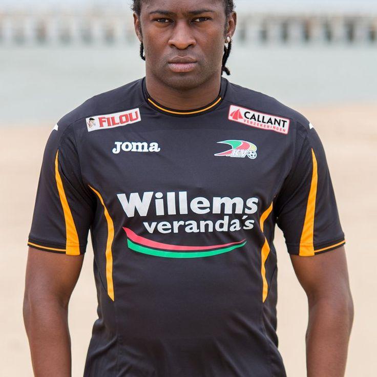 Le gardien d'Ostende et doyen des joueurs du Gabon retenus pour la Coupe d'Afrique des Nations de football qui se déroule actuellement dans le pays, Didier Ovono a lancé un appel