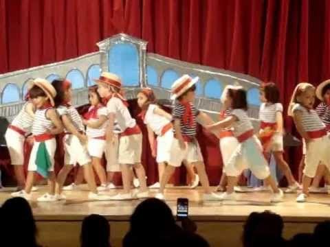 Baile de fin de curso - 4 años - YouTube