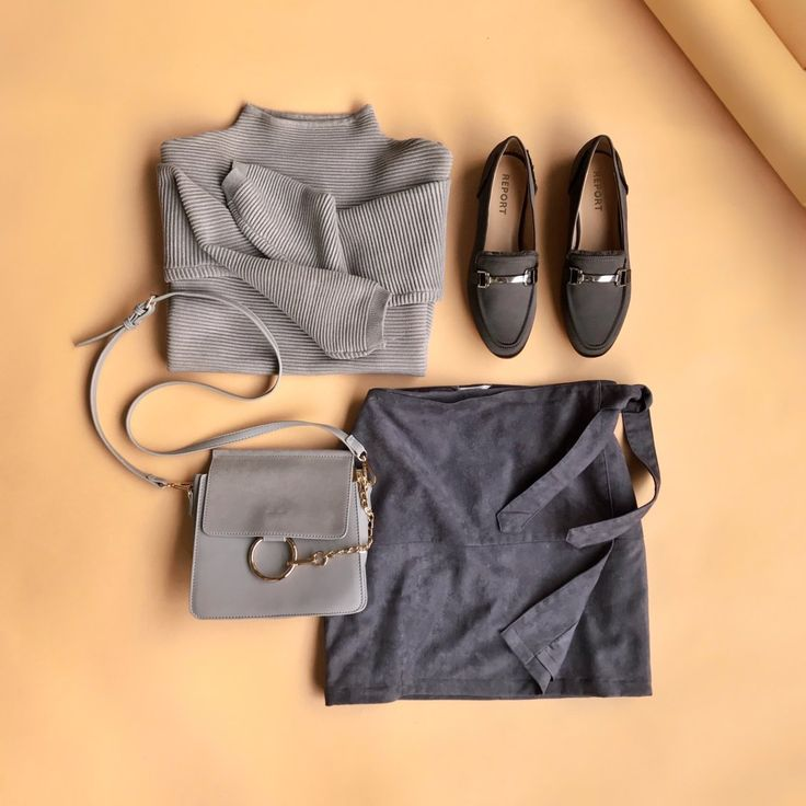 Look taupe-to-bottom chic in monochromatic neutrals. #StylistTip
