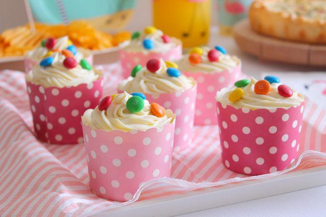 La Tavola Allegra: M&M's and White Chocolate Cupcakes