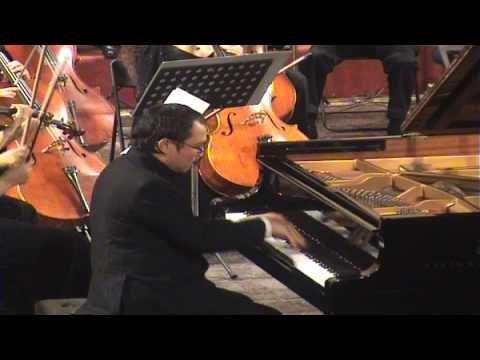 (3) Ludwig van Beethoven: Piano Concerto No.5, Op.73 - YouTube