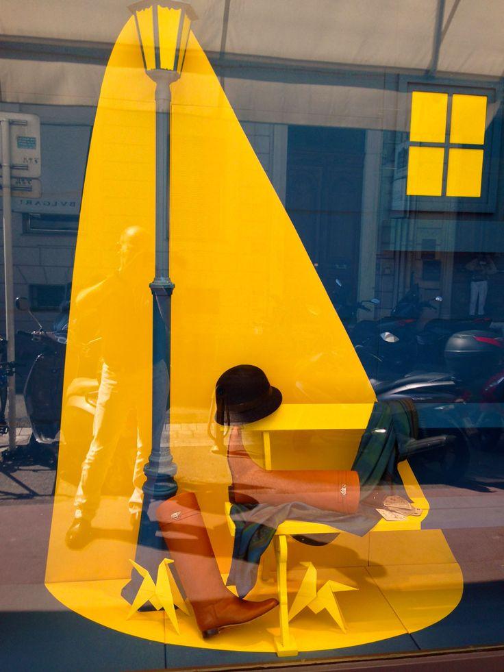 """Vitrines Hermès réseau France - Automne, """" providing light when it's needed"""","""