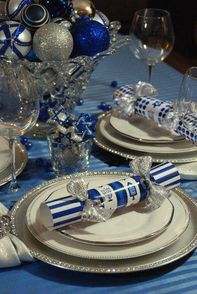 Gorgeous Hanukkah Decorations Ideas (25)