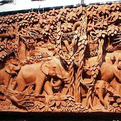 Wood carving: Wildlife mural