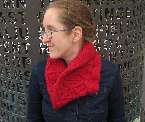 Bulky Hand-Knit Adult Cowl//Knitted Neckwarmer//Cables and
