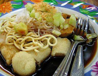 Empek-empak, salah satu makanan khas Indonesia - asalnya dari Provinsi Sumatera Selatan.