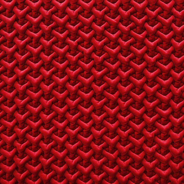 """Su base CARAVAGGIO questo velluto di cotone è pesante e importante e frutto della stessa tecnica innovativa di ACROPOLI 4064 che dona al rilievo a """"Y"""" assoluta stabilità. In 10 colori.100%CO"""
