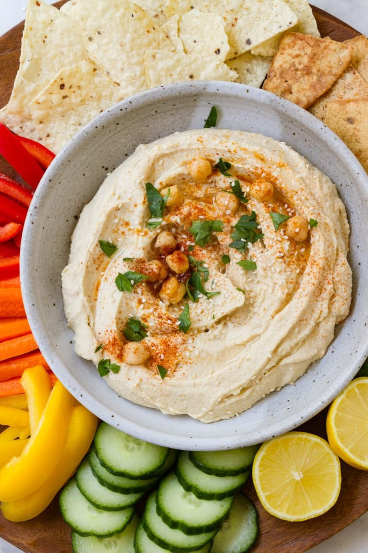 Learn how to make the best homemade hummus in 5 minutes