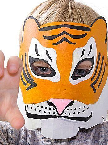 Puntadas para niños: Máscaras para niños con platos desechables