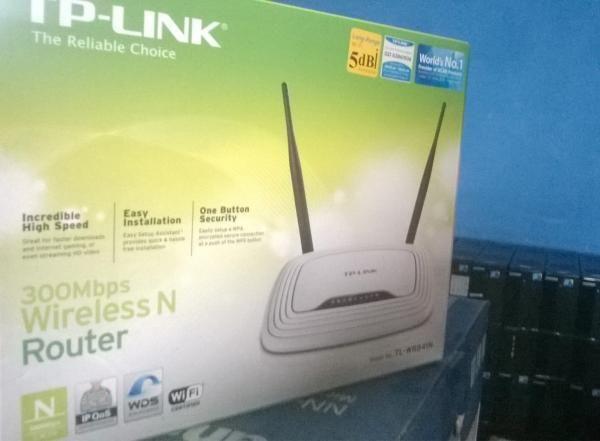 Iklan Baris | Bali, Indonesia: TP-LINK Wireless & Router TL-WR841N - Baru Asia