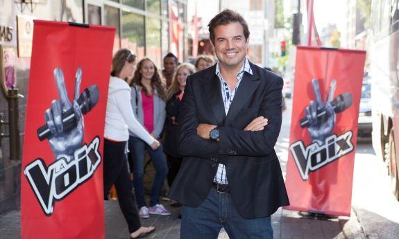 """Émission de Télé-réalité (version française de """"The Voice) animée par Charles Lafortune, diffusée à TVA."""