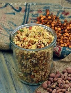 Murmura with Mixed Sprouts is a vibrant preparation of puffed rice tossed…