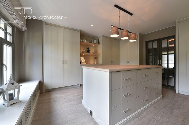 10 beste idee n over open ruimte wonen op pinterest open woonkamer open plan en betonvloeren - Hoe dicht een open keuken ...