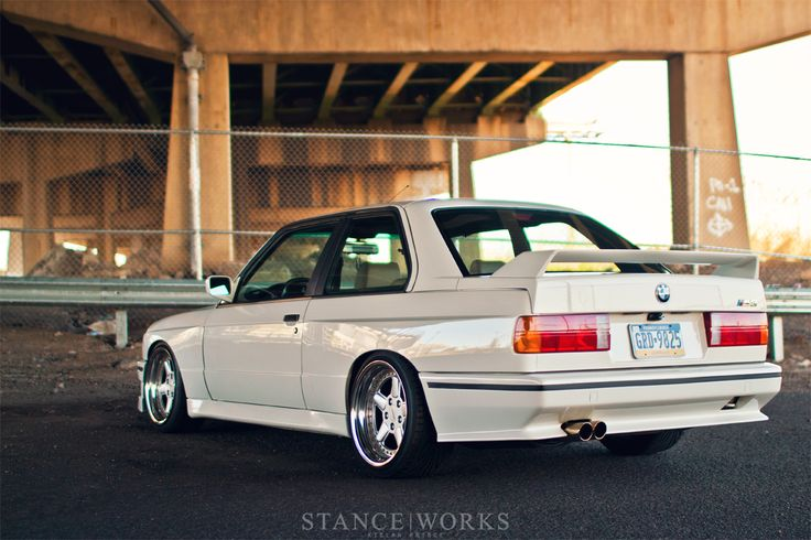 E30 M3. I have always wanted an old M3. Like this.